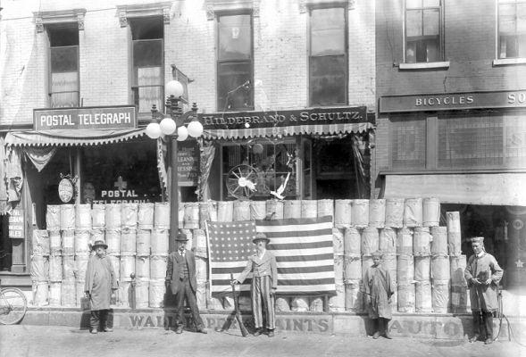 Hildebrand & Schultz Store Front